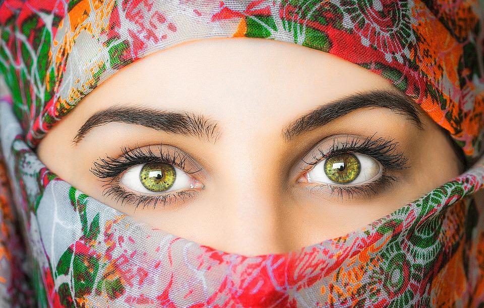 【眼軸近視】眼球のノビが視力低下の原因に!【悪化を防ぐ2つのコツ】